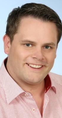 Steuerfachangestellter Thomas Frohnwieser